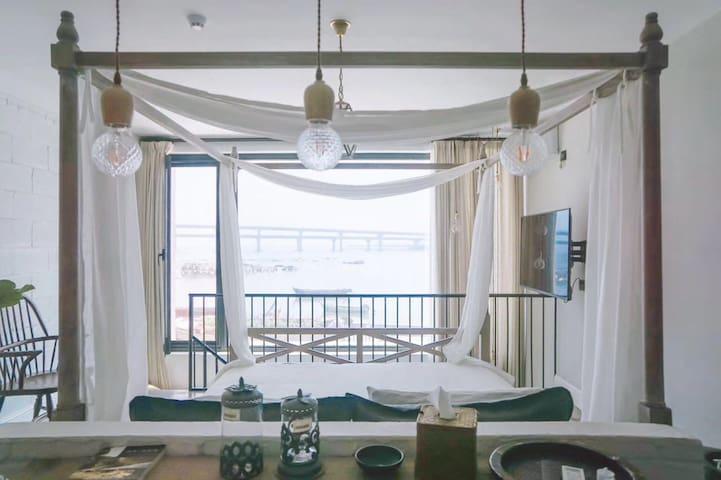 野海美宿201全海景loft下越拥有独立的厨房餐厅距海12米