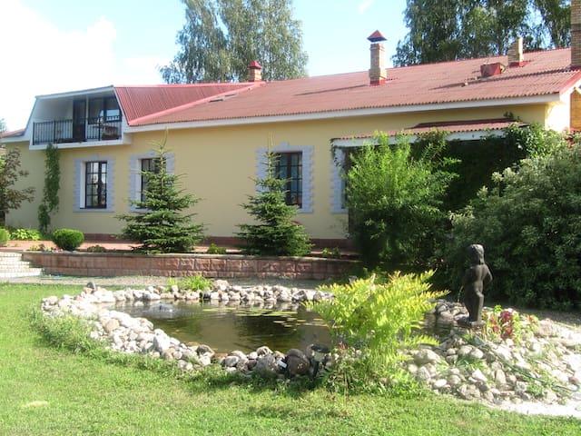 Cottage.A bath.Billiards.Fishing... - Novgorodskiy - Casa