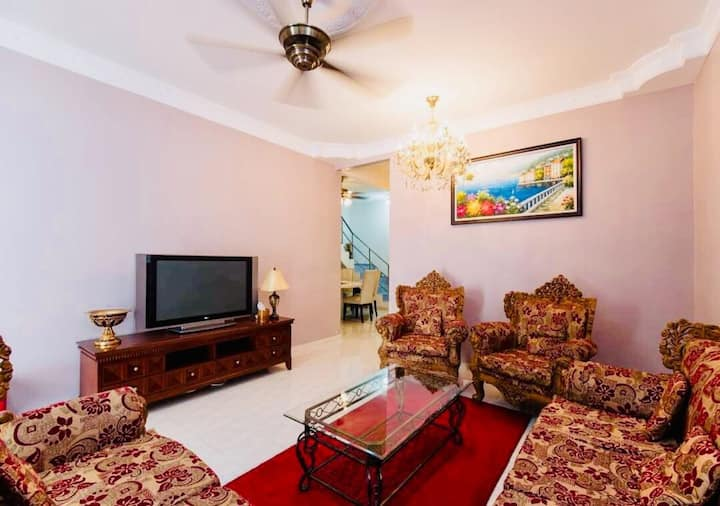 Vin Guesthouse (KL)   {6 GUESTS}
