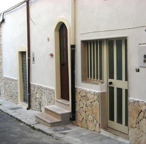 Bilocale Marconi Peschici centro