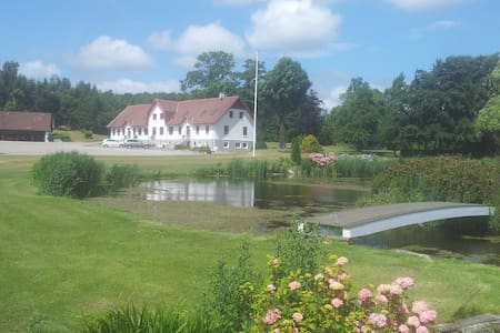 Apartment in manor with lake view   - Nibe - Flat
