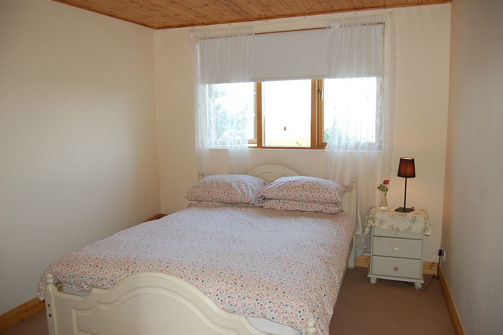Cosy double bedroom with amazing views over the Wicklow hills