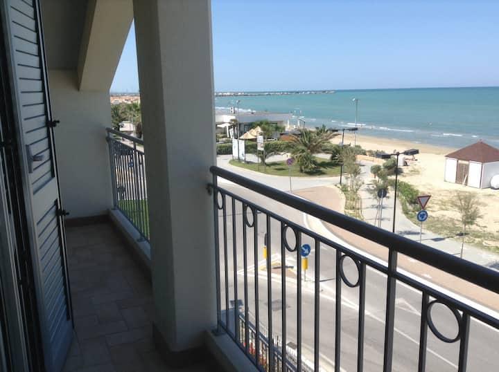 Appartamento 85 m2 ,fronte al mare