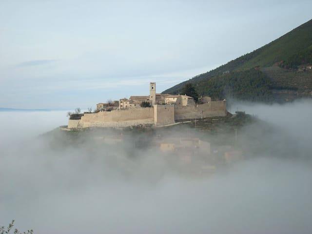 """Relais Borgo Campello, """"Bellevue"""" - Campello Sul Clitunno - House"""