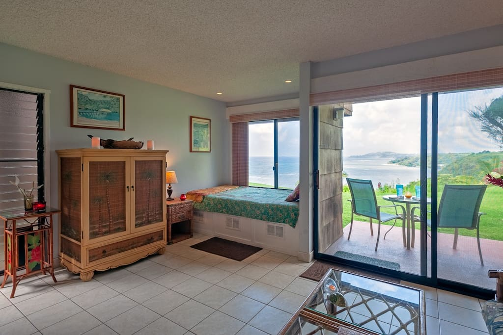 Sitting area at Sealodge J2 Kauai vacation rental