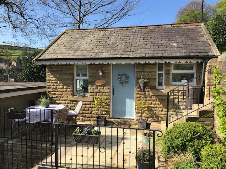 The Lodge, Holmfirth