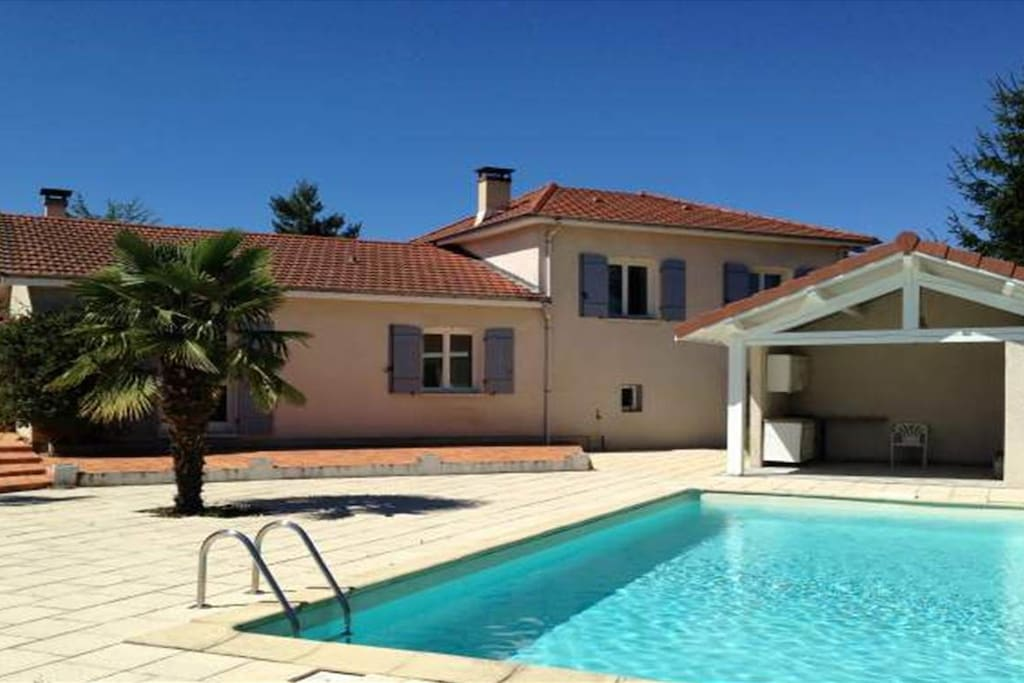 Family holidays in a charming house h user zur miete in - Piscine andrezieux boutheon ...