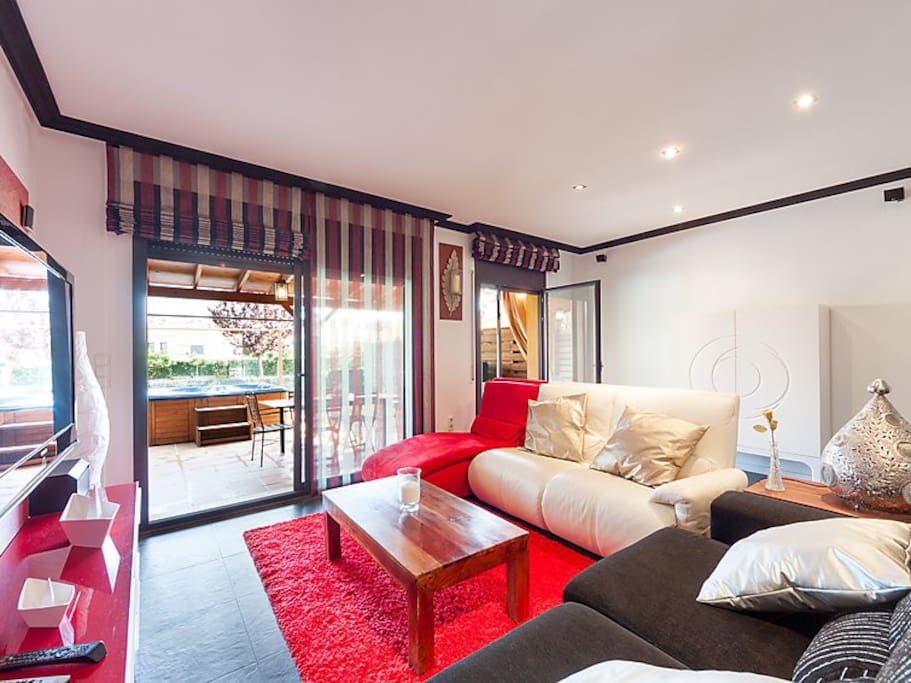 maison mitoyenne moderne palam s maisons louer palam s catalogne espagne. Black Bedroom Furniture Sets. Home Design Ideas