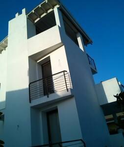 Suite con terrazzo/living arredato - Olbia