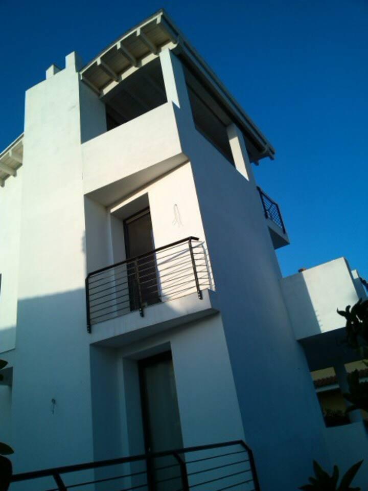 Suite con terrazzo/living arredato