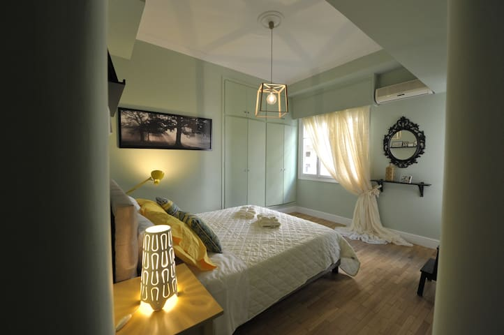 Cosy appartment in the heart of Athens NETFLIX TV