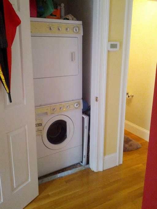 **Washer & Dryer available to reservations of 4 days or longer.