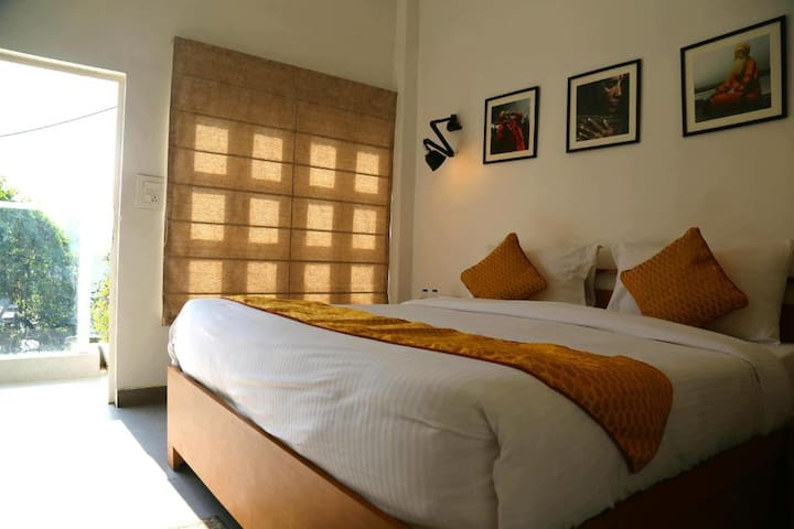 "Room with balcony & terrace at ""Stay Banaras"""
