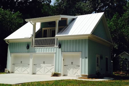 Old Town Bluffton Carriage House - Bluffton - Loft