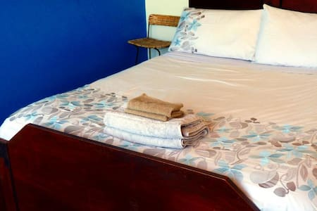 Piha - Double Room With Great Views - Rumah