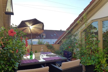 Penthouseroom with rooftop terrace - Landsberg am Lech - Apartemen