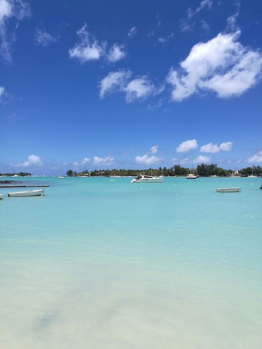 Around 2-3 Mins by walk to the most famous beach in the north~pereybere public beach. U can swim in the sea or  enjoy sunshine on the seaside. this is the best beach in  mauritius !Also there is amazing Sunset!