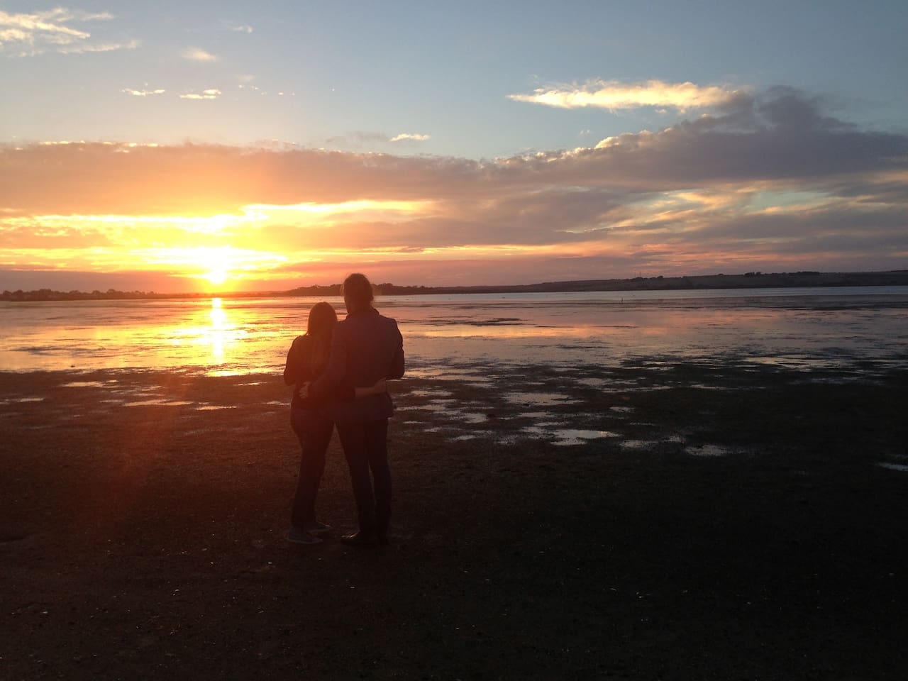 The sunsets over Swan Bay are breathtakingly beautiful. You can rug-up against the chilly air of winter and really feel that you are on holiday.