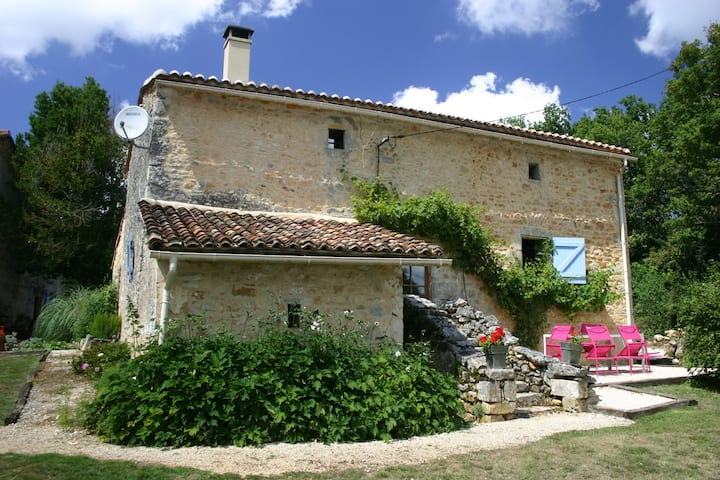 600 year old cottage nr Angouleme