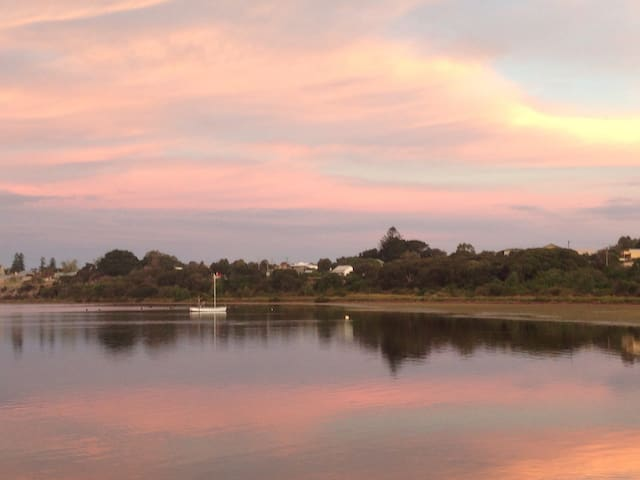 Queenscliff is Picture Perfect and only 1.5 hrs drive from Melbourne.