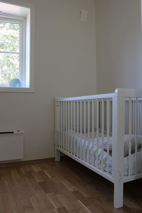 Bedroom with children's bed. An extra bed can be put in this room too.