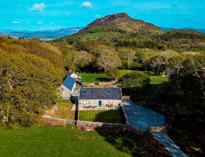 Y Boncyn  - Exceptional 5 star 2 Bedroom Cottage