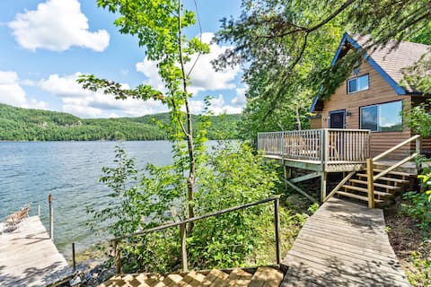 Newly-Renovated Rustic Lakefront Cabin