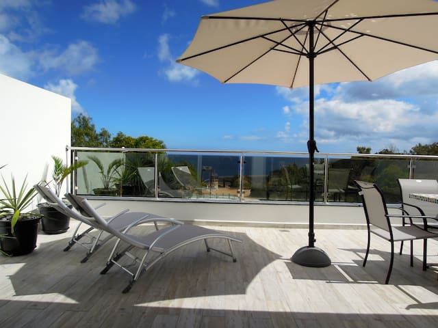 Sea Views 1 - Sun drenched balcony. - Machico - Apartment