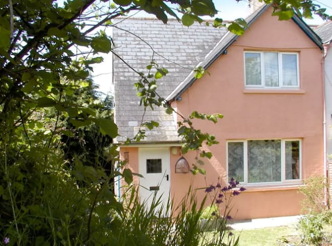 Double room with a view in the Cottage - nr Totnes - Dartington - House