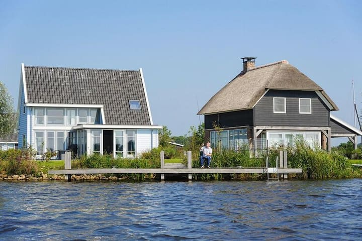 4 star holiday home in Giethoorn