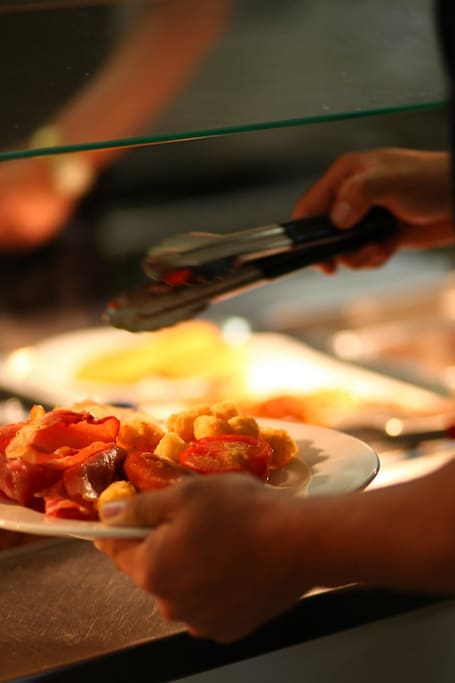 There is a variety of nutritional choices available for all meals, as well as a chef's dinner special and theme nights to spice up your evenings.