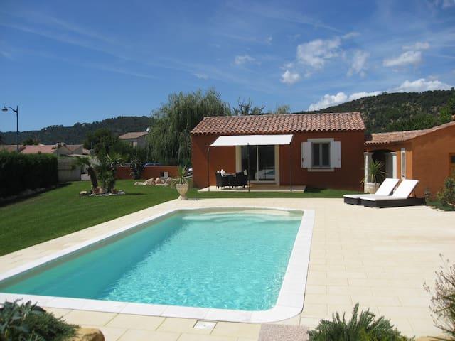 Charming 1 bedroom villa in Gréoux - Gréoux-les-Bains - Huis