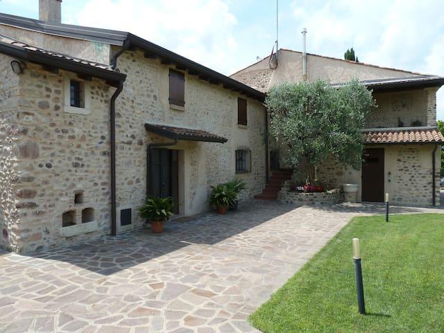 Affascinante Cascina di campagna  - Cavalcaselle di Castelnuovo del Garda