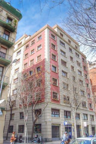 Nuevo espacioso apartamento en BCN