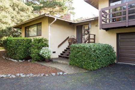 Charming Pebble Beach Home - Del Monte Forest - House
