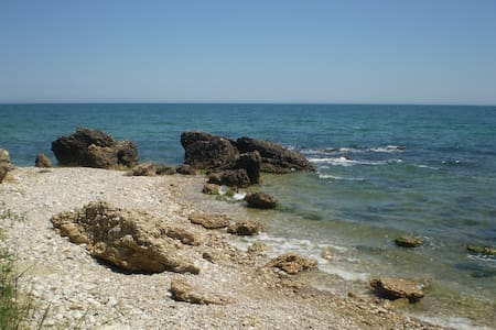 House with private access to th sea - Vasto