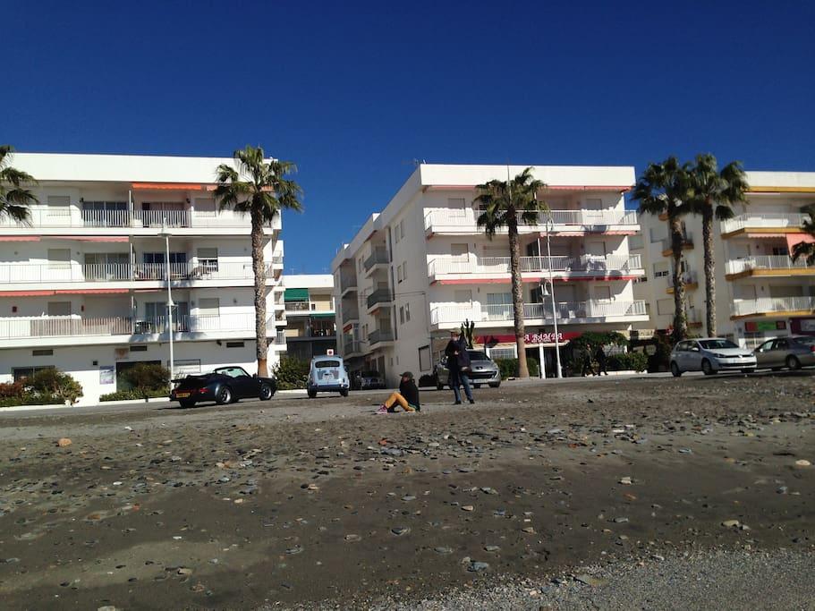 Unterkunft von der Strandseite gesehen