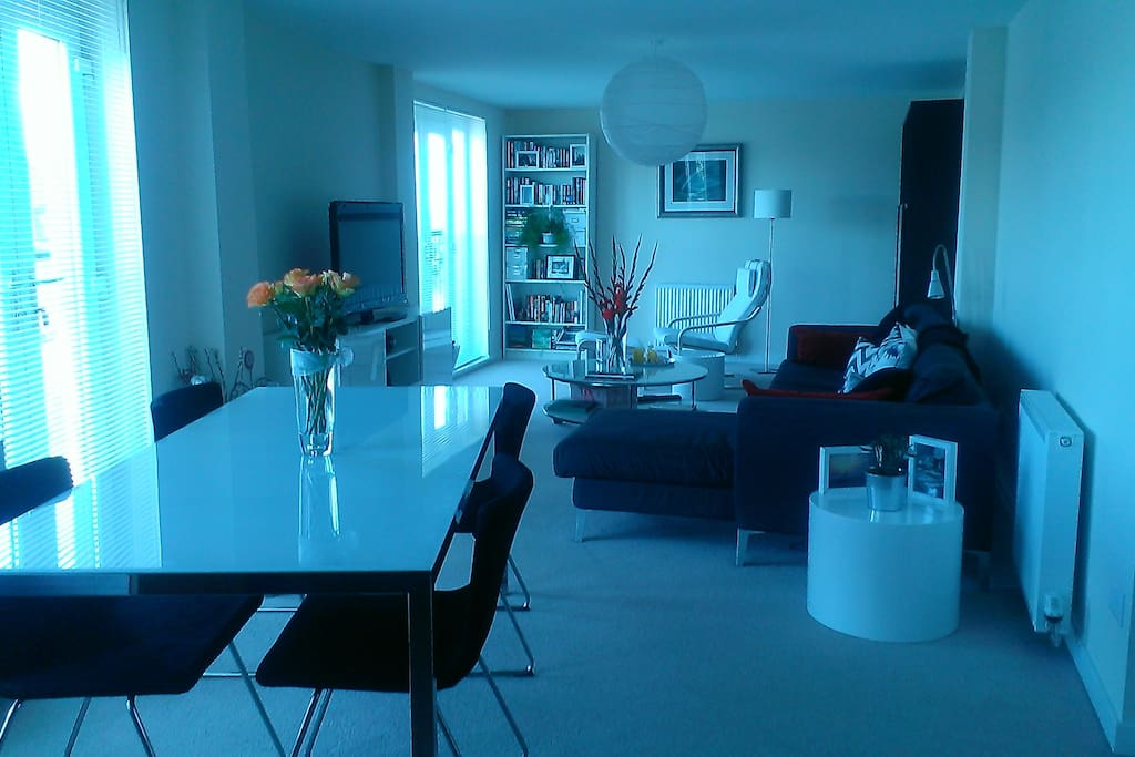 Open plan lounge, dining and kitchen area