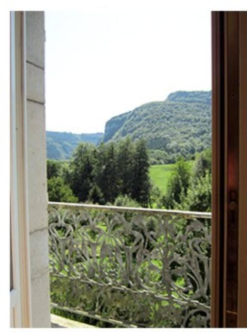 Vue sur le Jura  depuis le balcon