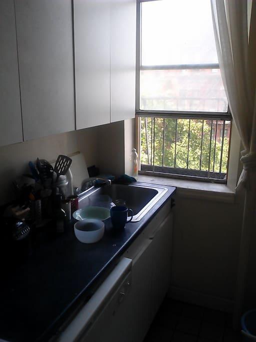 Good working kitchen
