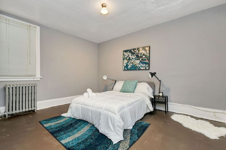 Charming 3 Bed in the Heart of Chinatown