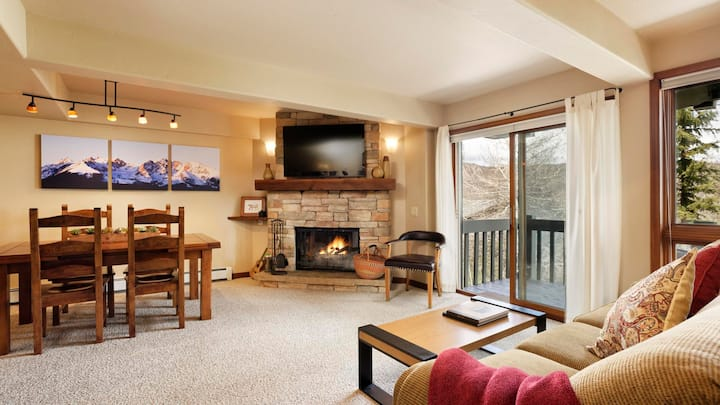 Interlude 203 - Snowmass Ski In Ski Out Condo with Perks!