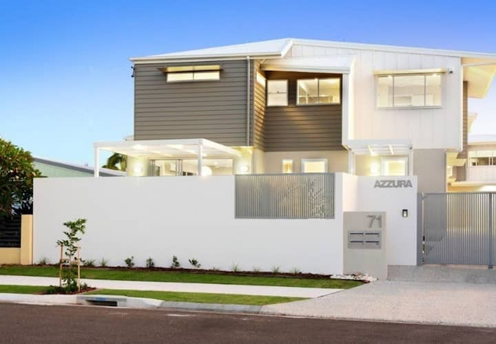 Modern Townhouse on Parker - Close to Beach!