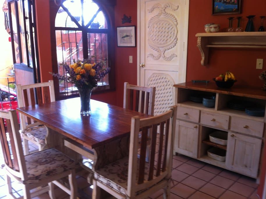 Intimate dining, full amenities in kitchen.