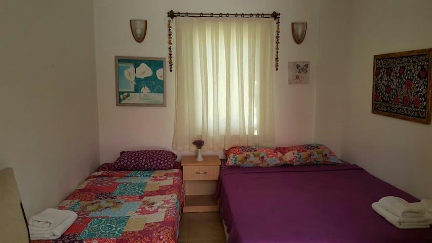 Şık ve harika konumda oda - Bozcaada - Bed & Breakfast
