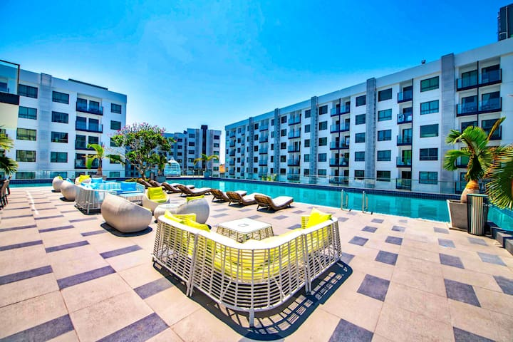 Explore Pattaya from a Modern Cool Suite