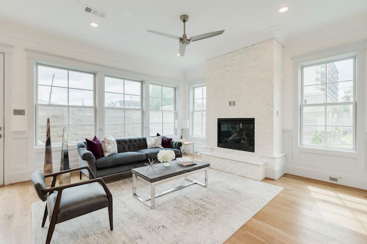 Elegant & Spacious Home in the Heart of Midtown
