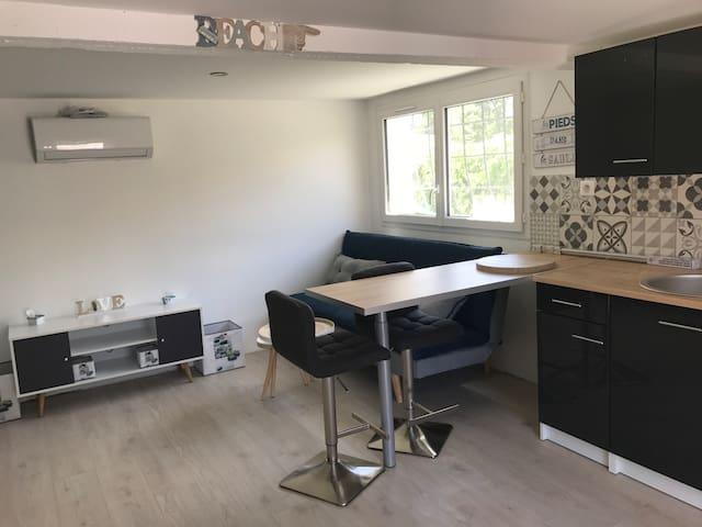 Joli studio 25 m2 tout confort neuf