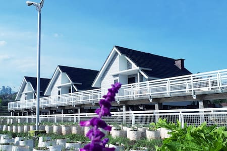 Lavender Kasturi Resort Syari