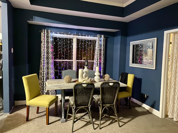 Your BLOOMINGTON ESCAPE - Newly Furnished Rental